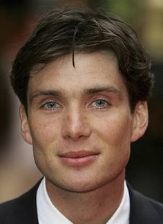 Cillian Murphy... Gorgeous eyes... And FRECKLES!!!!!