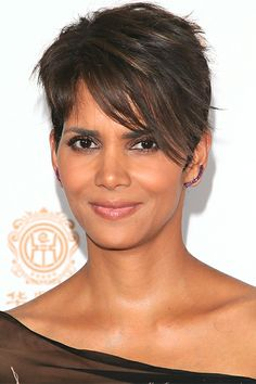 Halle Berry Wiping your lipstick off may seem counterproductive, but that's exactly what Halle does to make her lips look naturally stained. ...
