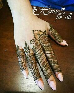 Simple Mehendi designs to kick start the ceremonial fun. If complex & elaborate henna patterns are a bit too much for you, then check out these simple Mehendi designs. Henna Hand Designs, Mehandi Designs, Mehndi Designs Finger, Mehndi Designs 2018, Stylish Mehndi Designs, Mehndi Designs For Fingers, Mehndi Design Pictures, Beautiful Mehndi Design, Henna Tattoo Designs