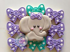 Sweet little elephants~ No source Etsy expired, grey elephant, green bow, purple bow, polka dot Cookies For Kids, Fancy Cookies, Iced Cookies, Royal Icing Cookies, How To Make Cookies, Cookies Et Biscuits, Cupcake Cookies, Sugar Cookies, Elephant Cupcakes