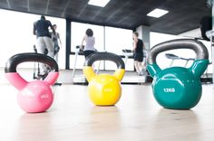 Learn the basics of kettle bell workouts and give it a try with our free 10-minute workout.