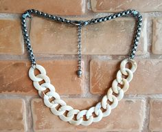Maxi Colors Chains Ivory & Grafite
