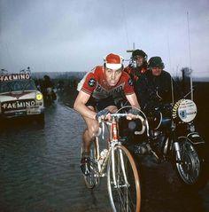 .......Merckx on his last Roubaix legs, 1970