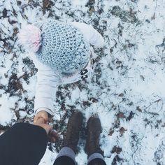 holding mama's hand