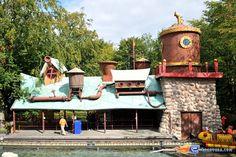 5/14 | Photo de l'attraction Splash Battle située à Walibi Holland (Pays-Bas). Plus d'information sur notre site www.e-coasters.com !! Tous les meilleurs Parcs d'Attractions sur un seul site web !!