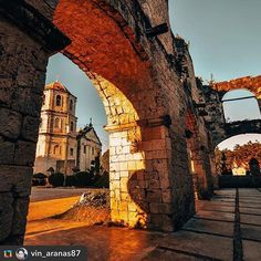 """""""It was afternoon when we came here to a #ruins made of coral blocks resembling a Spanish-era barracks.It is located front right of #Oslob Old Church also known as Nuestra Señora de la Immaculada Conception, just outside the perimeter stone fence and near the sea . This was intended to be the #cuartel, barracks for Spanish soldiers or guardia civil. Since 1860, but remained unfinished at the end of Spanish occupation in 1898. ©📸 Photo by: @vin_aranas87  www.cebuwanderlust.com…"""
