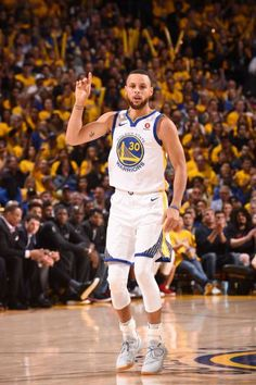 d92a14031e81 Stephen Curry of the Golden State Warriors reacts to a play in Game Five of  the