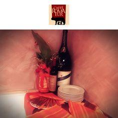 Un brindisi a voi che ogni giorno ci venite a trovare da #cafferomaeur!🍷 #wine #bar #brindisi #roma #eur #allavostra