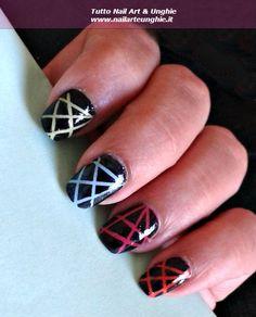 <p>Cos'è lo Striping Tape e come usarlo in nail art? Lo striping Tape è uno strumento per nail art che serve per creare linee e forme geometriche sulle unghie. E' un rotolino di nastro adesivo molto stretto che potete trovare in vendita in molti negozi on line e in tutti …</p>