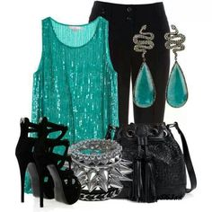 Las Vegas outfit :) The bag is all wrong.a clutch would be better and the bracelets are not me, but I love the top and earrings. Fashion Moda, Look Fashion, Fashion Outfits, Womens Fashion, Fashion Ideas, Woman Outfits, Casino Dress, Casino Outfit, Las Vegas Outfit