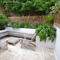 Horizontal Slat Fence, Slatted Fence Panels, Garden Fence Panels, Back Gardens, Small Gardens, Outdoor Gardens, Back Garden Design, Fence Design, Cedar Wood Fence