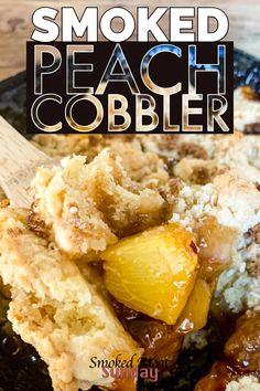 Smoker Recipes 66848 Smoked Peach Cobbler - Easy to make - easy to eat. This cobbler recipe uses made from scratch biscuits and is the perfect dessert for a bbq. Desserts with peaches Bbq Desserts, Grilled Desserts, Dessert Recipes, Dessert For Bbq, Delicious Desserts, Smoker Grill Recipes, Grilling Recipes, Vegetarian Grilling, Healthy Grilling