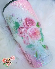 Stunning Ballet Slipper colored Pink accented with the most beautiful Pink Peonies. Glitter Cups, Pink Glitter, Glitter Tumblers, Nerd Crafts, Cup Crafts, Vinyl Tumblers, Custom Tumblers, Custom Starbucks Cup, Glitter Flowers