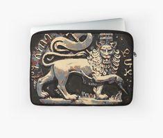 'Jah Rastafari Ancient Rustic Lion of Judah Design ' Laptop Sleeve by rastaseed