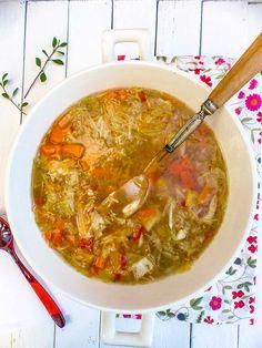 Soup Minceur Choux 53 New Ideas Slow Cooker Chicken Healthy, Slow Cooker Beef, Healthy Crockpot Recipes, Healthy Soup, Beef Recipes, Soup Recipes, Kneading Dough, Vegetable Curry, Detox Soup