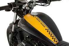 Review: Moto Guzzi V9 Roamer and Bobber