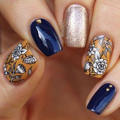 Floral Fall nail design #flowernaildesigns