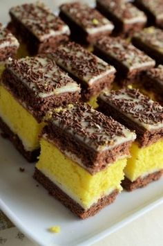 – Pastry World Sweets Recipes, Cookie Recipes, Romanian Desserts, Dairy Free Cookies, Different Cakes, Pudding Cake, Cake Toppings, Banana Bread Recipes, Savoury Cake