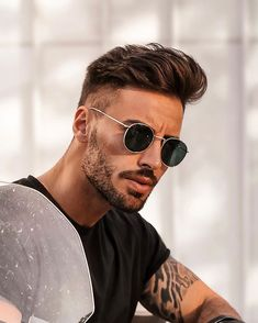 We Bring You The Best Simple, Stylish and Fashionable Outfit Ideas For Men That Every Men Would Love. Undercut With Beard, Short Hair With Beard, Mens Hairstyles With Beard, Quiff Hairstyles, Cool Hairstyles For Men, Haircuts For Men, Beard Styles For Men, Hair And Beard Styles, Short Beard Styles