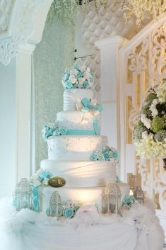5-Tier wedding cake in white and tiffany blue color | Project by Elly`s Cake Art Boutique http://www.bridestory.com/ellys-cake-art-boutique/projects/5-tiers1430726028