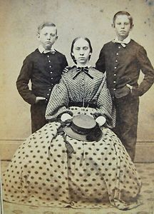 ANTIQUE CIVIL WAR ERA CDV PHOTO LOVELY YOUNG WOMAN amp; 2 HANDSOME BOYS IN UNIFORMS Civil War Images | handsome guys picture handsome boy photos