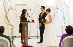 {Red Wedding} Boda en Hotel Puerta del Camino, Pamplona, Navarra. Fotografía de Roberto Lechado.