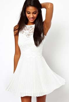 White Sleeveless Hollow Lace Backless Pleated Dress