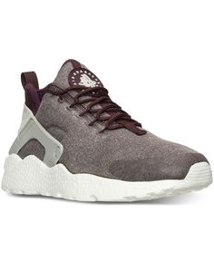 The iconic Nike Huarache Run is back and lighter and sleeker than ever. The newly updated Women's Nike Air Huarache Run Ultra Se features a sleek one-piece upper and ultra-light sole, along with an ea