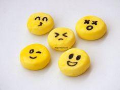 Cómo hacer GOMAS DE BORRAR o BORRADORES caseros - Emojis Regreso a clases - YouTube