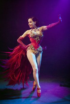 I love her bird of paradise costume!