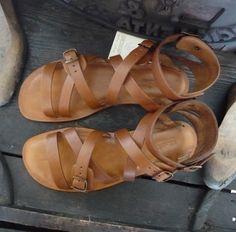 Sandali donna modello Calci in cuoio e vera pelle al vegetale
