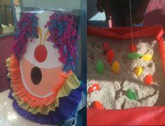 SÁBADO! Festa Junina na escola do amigo VIcente. Tsu acertou a boca do palhaço e o Petrus pescou o peixe amarelo. Pega-varetas e futebol de botão foram os prêmios.