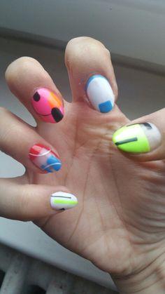 Colorful nail geometric design