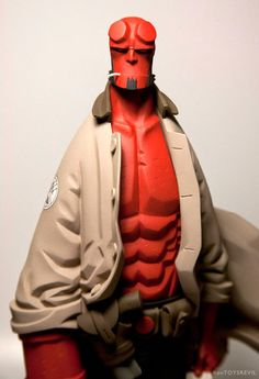 TOYSREVIL: Revealed: 1/6 Hellboy Mignola french resin statue from Fariboles Productions