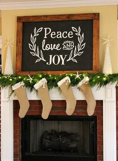 7 rustic ways to decorate your fireplace for Christmas