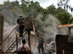 Fuego destruye viviendas en sector de Puerto Plata