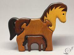 Spielzeug Pferde Holz Puzzle farbig braun de GeorgiaGeorgia sur DaWanda.com