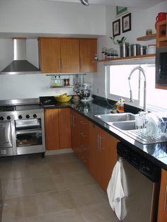 Busca imágenes de diseños de Cocinas estilo minimalista: Casa habitacion en en Cozumel Quintana Roo. Encuentra las mejores fotos para inspirarte y y crear el hogar de tus sueños.