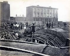 Metropolitan District Railway construction, 1866.Victorian Photos Of The London Underground Being Built