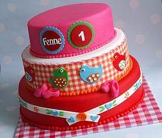 vogeltjes taart Beautiful Cakes, Amazing Cakes, Chocolat Cake, American Cake, Baby Birthday Cakes, Bird Cakes, Cake & Co, Vanilla Cupcakes, Creative Cakes