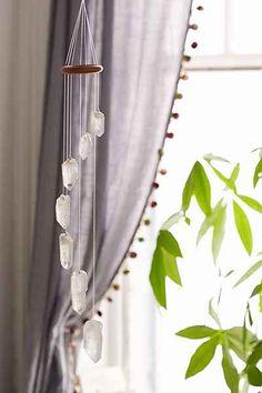 Mobile de cristaux de quartz blancs - Urban Outfitters