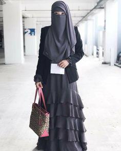 Hijabi Girl, Girl Hijab, Hijab Outfit, Hijab Dress, Muslim Hijab, Muslim Dress, Hijab Niqab, Beautiful Muslim Women, Beautiful Hijab
