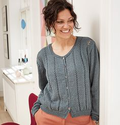 Vertical translucent stripes add grace and lightness to this model, alpaca and silk in the compositi Crochet Abbreviations, What Is Fashion, Thick Sweaters, Types Of Women, Fishnet, Knit Cardigan, Hand Knitting, Knitwear, Style Inspiration