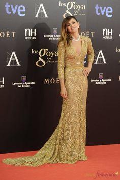 Accesorios para vestido dorado largo