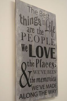 Wood Sign Pallet Sign The Best Things In Life Sign Inspirational Wall Decor Wood Wall Decor Distressed Wood Sign Friendship Gift Rustic Sign