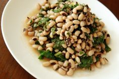Garlicky, Lemony Black-Eyed Pea and Kale Salad Skip the oil!