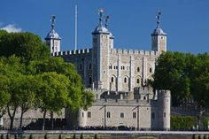 Tower of London Entrance Ticket Including Crown Jewels and Beefeater Tour $35/person