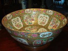 "Antique Chinese Rose Medallion Mandarin Punch Bowl 23.5"", early 19th C"