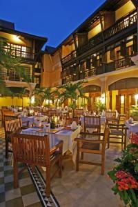 Victoria Angkor Resort and Spa, L'Escale Restaurant By Night