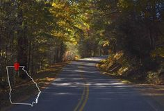 Georgia's Best Drives to Test Your Ability - Thrillist Blairsville Georgia, Good Drive, Road Trip Adventure, Weekend Trips, Where To Go, Vacation Spots, Places To Visit, Country Roads, Road Trips